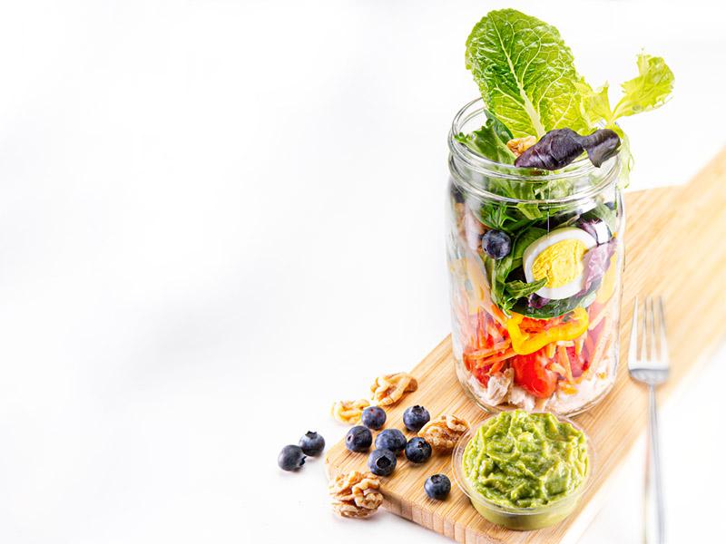 Mason Jar Salad Recipe | Resolve to Eat Better | ¡Yo Quiero!™️ Brands