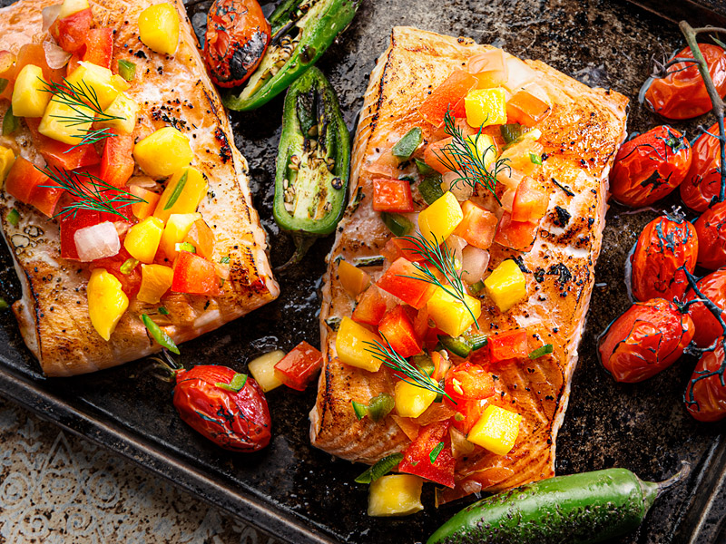 Baked Salmon With Mango Salsa | Recipes | ¡Yo Quiero!™️ Brands
